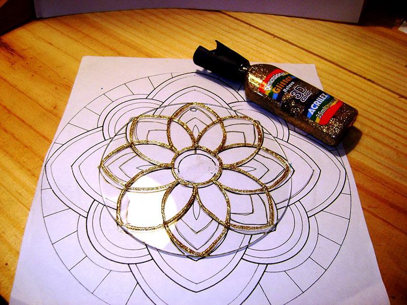 الرسم على السيديهات أو الزجاج